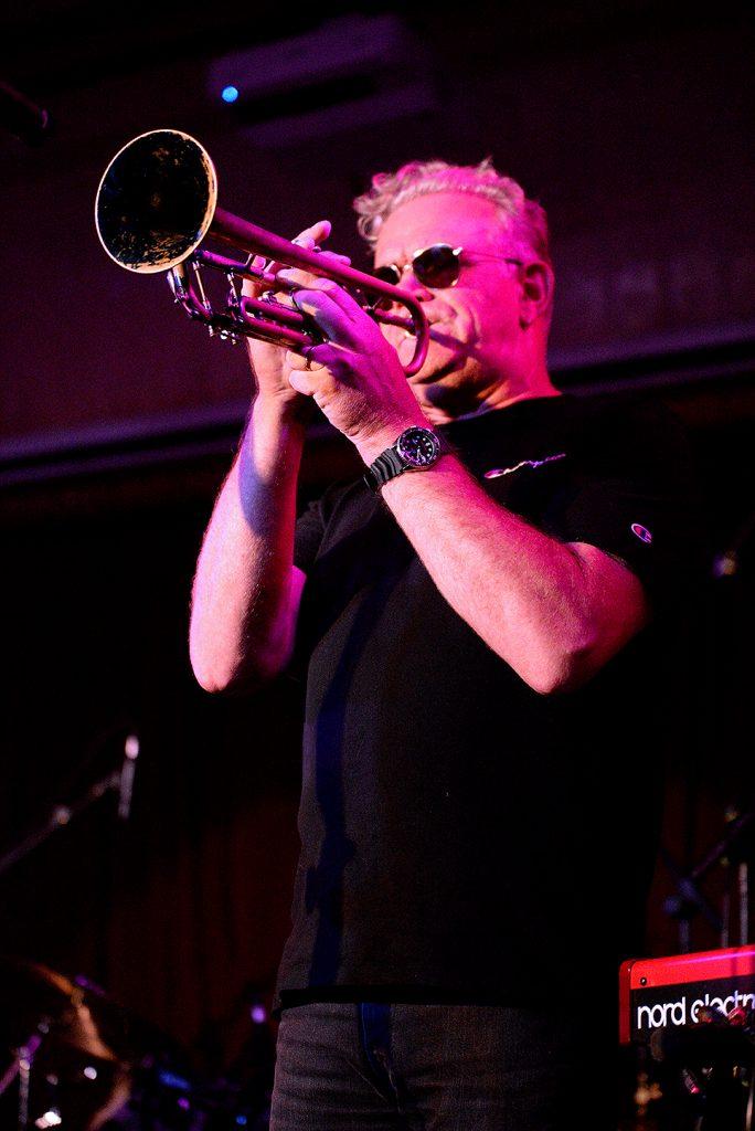 trumpet King Tide